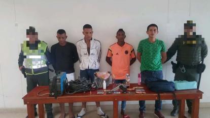 Cuatro capturas en flagrancia por el delito de hurto y porte ilegal de arma en Galapa