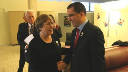 Jorge Arreaza junto a Michelle Bachelet, después del Consejo de Derechos Humanos de las Naciones Unidas.