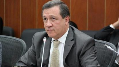 El presidente del Congreso, el senador Ernesto Macías.