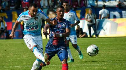 Marlon Piedrahíta en acción en el juego ante Unión.