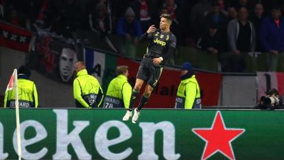 Cristiano Ronaldo celebrando el gol que anotó con la Juventus.