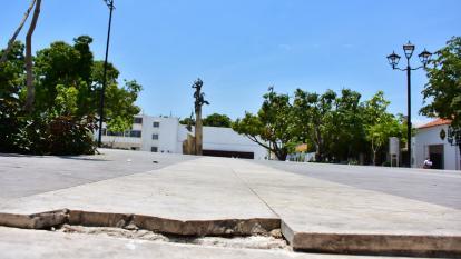 Deterioro en la renovada plaza Alfonso López después del Festival Vallenato