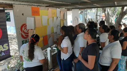 Mujeres excombatientes en Pondores fortalecen herramientas para la ciudadanía y participación
