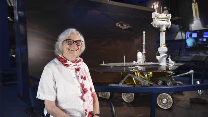 Sue Finley, la computadora humana que todavía mira las estrellas en la NASA