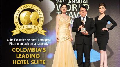 Carlos Monroy, gerente general del Hotel Cartagena Plaza recibió el premio.