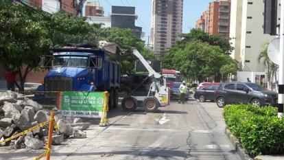 Continúan cierres parciales en vías por reparación de pavimento