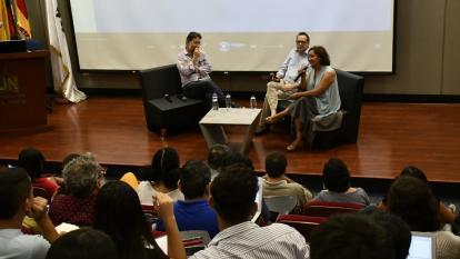 De Izq. a Der. Marcelo Beraba (periodista y director de Grupo Estado de Río de Janeiro), Marco Schwartz (director de El Heraldo) y Pepa Bueno (periodista española).