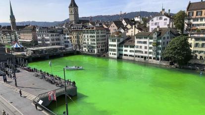 Ecologistas tiñen de verde fosforescente un gran río en Suiza