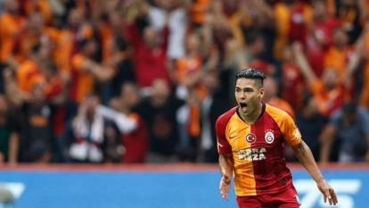 Radamel Falcao García celebrando su primer gol con el Galatasaray.