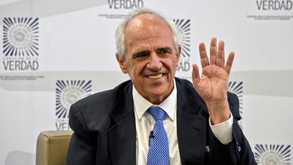 """Expresidente Samper dice estar """"arrepentido"""" por fumigaciones de narcocultivos"""