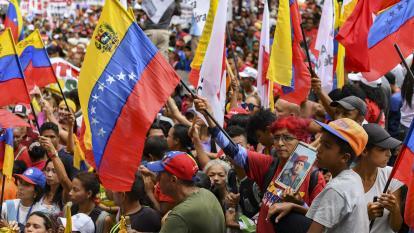 """Ecuador alerta de """"difícil contexto regional"""" para atención de migrantes venezolanos"""