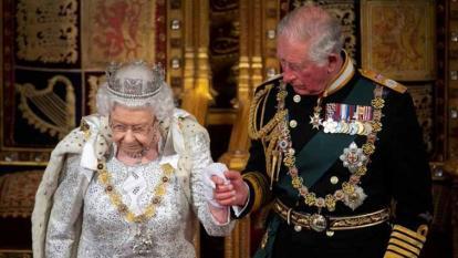 El exsecretario de prensa de la reina Isabel critica a The Crown