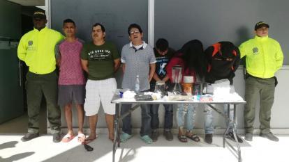 Los señalados integrantes de la banda delincuencial capturados.