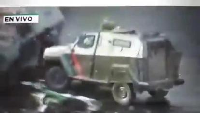 Fiscalía presenta cargos contra un policía tras atropellar a un manifestante en Chile