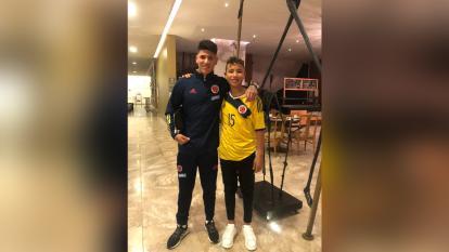 Romario Carrascal junto a su hermano Jorge Carrascal en la concentración de la Selección Colombia Sub-23, en Pereira.