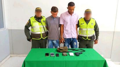 Les robaron todo a los pasajeros con una pistola de juguete