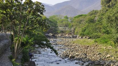 El estado crítico del río Guatapurí en la parte baja en Valledupar.