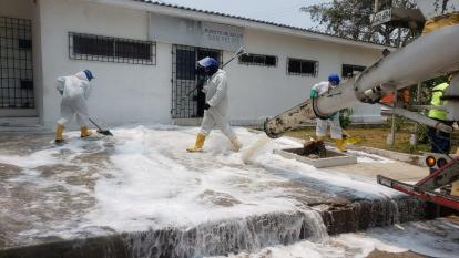 Distrito realiza lavado y desinfección de áreas públicas de Barranquilla