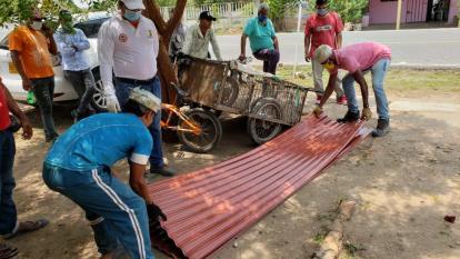 Entregan materiales a familias damnificadas por vendavales en el Atlántico