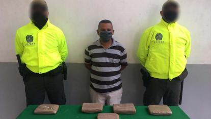 Capturado con nueve pacas de marihuana prensada