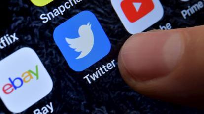 """Franceses denuncian a Twitter por """"inacción"""" ante mensajes de odio"""