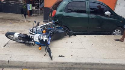 Choque de dos motos en El Bosque deja cuatro heridos
