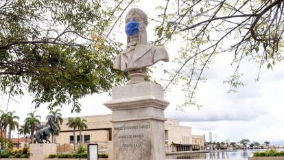 Presidente, ayúdenos a salvar el turismo de Cartagena: Dau a Duque