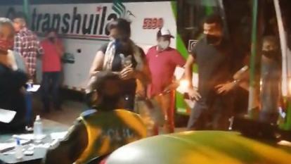 En video | Detienen bus con 44 pasajeros que pretendían viajar a Bogotá