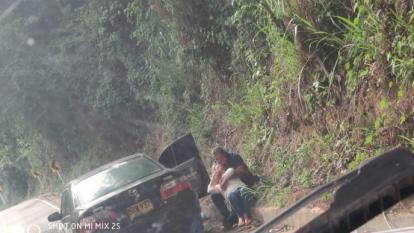 En el video quedó grabada la agresión del locutor Edgardo José Carreño contra la mujer.