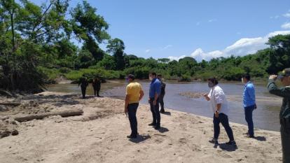 Visita de funcionarios de Corpocesar a la margen izquierda del río Cesar.