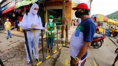 Los controles se realizan a la entrada y la salida del Mercado de Bazurto.