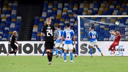David Ospina en acción en el partido ante el Milan.