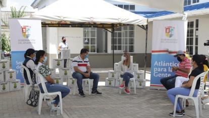 Entregan ayudas a damnificados por invierno en Palmar de Varela