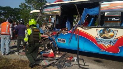 En video | Triple accidente en Bayunca deja 10 personas heridas