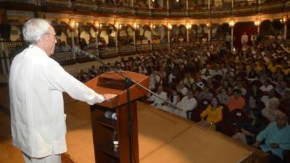 El historiador cubano Eugenio Leal, fallecido recientemente, durante el conversatorio en el que participó en Cartagena en el 2017.