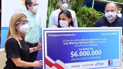 Noguera entregó primeros créditos a emprendedores afectados por pandemia