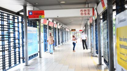 La historia del hombre que se desplomó en una estación de Transmetro y murió