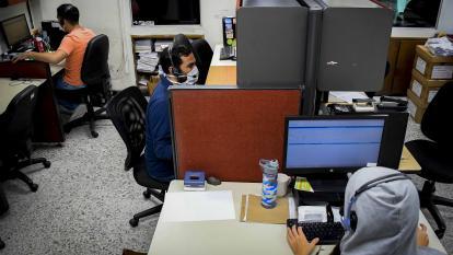 La mayoría de los trabajadores del sector de contact centers son jóvenes.