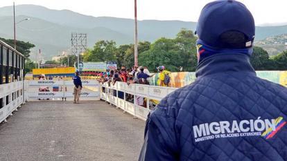 Venezuela restringe el ingreso de sus ciudadanos procedentes de Colombia