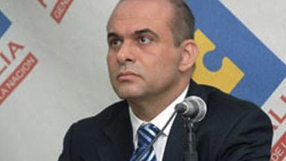 Hay tres circulares rojas de Interpol vigentes contra Mancuso