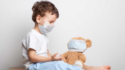 El uso de mascarilla no es recomendable para menores de dos años por riesgo de asfixia.
