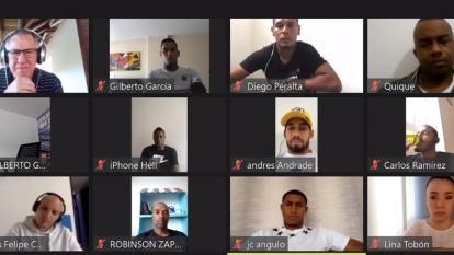 Futbolistas piden que se acelere el reinicio de las competencias