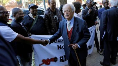 A sus 92 años, falleció George Bizos, abogado de Nelson Mandela
