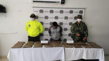 Capturan en Cereté a hombre con paquetes de marihuana en su moto