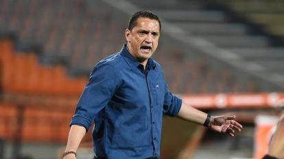 Alfo Bobadilla se fue del Medellín ante los pésimos resultados en la Liga y la Copa Libertadores.