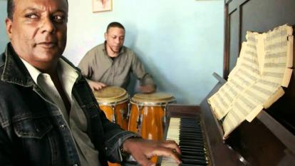 Peruchín, el pianista cubano que la pandemia volvió barranquillero