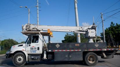 Uno de los vehículos usados para realizar las labores de mantenimiento en las redes energía.