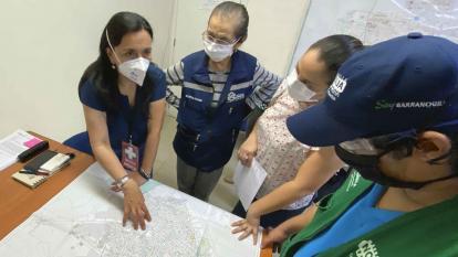 Marcela Mercado prepara con el equipo de Salud Distrital cómo será la intervención en los barrios.