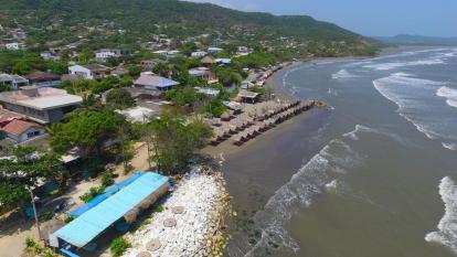 Hallan restos óseos en playas de Pradomar