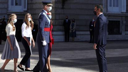 España homenajea en su fiesta nacional a los que luchan contra la pandemia